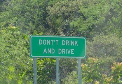 "Funny spelling mistake on sign has two Ts in the word ""don't""."