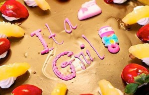 "Cake spelling mistake: ""it a girl"""