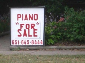 "Reads: piano ""for"" sale"