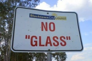"reads: no ""glass"""